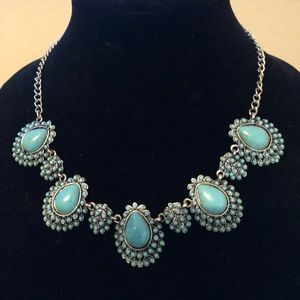 Jewelry - 🎉 NEW! Ladies Who Lunch Statement Necklace